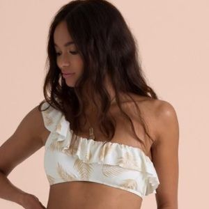 Billabong x Sincerely Jules Collection TOP